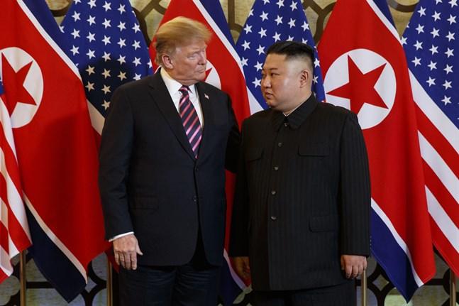 Donald Trump och Kim Jong-Un i Hanoi i februari i år.