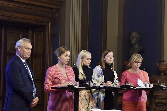 Det var en enig regeringskvintett som presenterade nästa års statsbudget i Ständerhuset på tisdagskvällen.