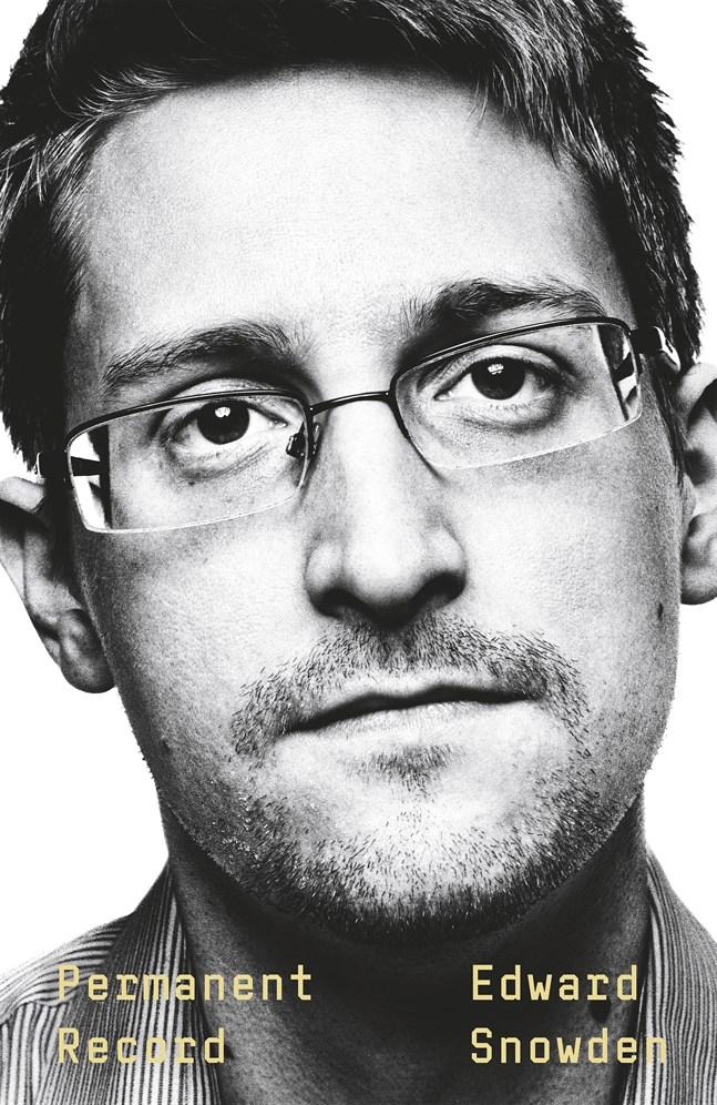 """Kort efter att Edward Snowden släppt sin biografi """"Permanent Record"""" (svensk titel """"I allmänhetens tjänst"""") stämde USA honom."""