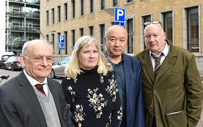 David Matas, Marja Heinonen-Guzejev, Enver Tohti och Ethan Gutmann påtalade den illegala organhandeln i Kina i samband med ett seminarium i Helsingfors.
