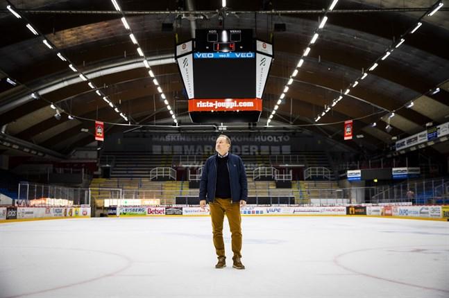 """Tomas Kurtén blickar hoppfullt mot framtiden. """"Det kommer en dag efter corona,"""" säger han."""