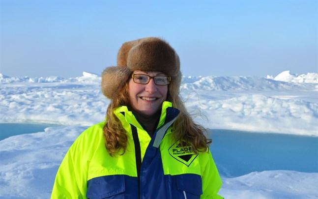 Pauline Snoeijs Leijonmalm, professor i marinekologi vid Stockholms universitet, deltar i expeditionen.