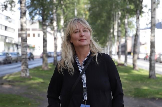 Karin Smirnoff skriver snabbt sina snabba berättelser.