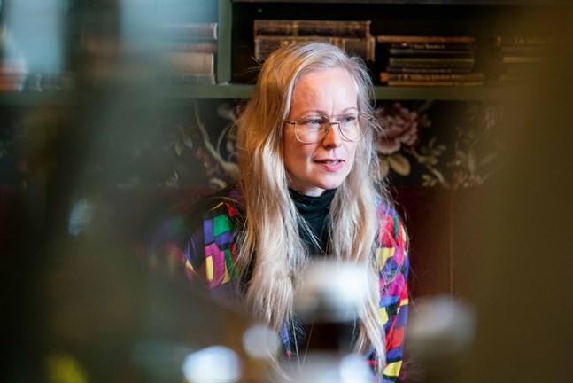 Aja Lund är inte bara utbildad fotograf. Hon driver också livsstils- och byggnadsvårdsföretaget Lundagård i Jakobstad.