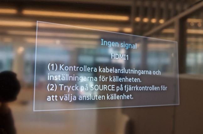 Närmare en miljon finländare i antennhushåll skulle bli utan tevebild om den gamla tekniken för teveutsändning (SD) skulle stängas ned i dag. Bild tagen på JNT i Jakobstad.