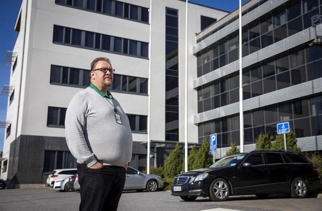 Ralf Holmlund hoppas att Wärtsilä snabbt informerar dem som blir uppsagda, så att de inte behöver leva i ovisshet.