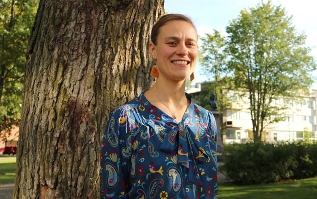 Malin Gustavsson är expert i jämställdhets- och likabehandlingsfrågor. Hon höll en utbildning för cheferna på Karleby stad i onsdags.