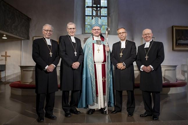 Bo-Göran Åstrand vigdes till biskopsämbetet i Borgå domkyrka i höstas. För honom är jämställdhetsfrågor en prioritet och han har visioner om en helt jämställd luthersk kyrka.