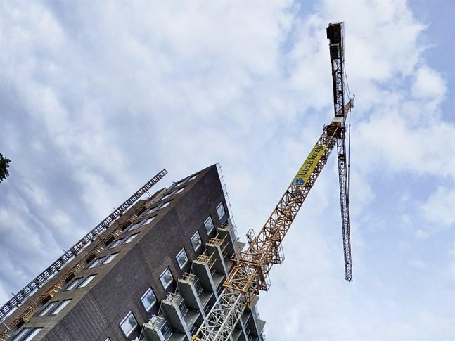 Bostadsmarknaden har fortfarande ett riktigt bra flyt, bedömer Finlands fastighetsmäklare i prognosen för hösten.