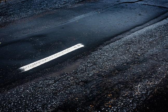 Det är av yttersta vikt att tilläggsmedel fördelas där behoven är som störst, så åtgärder kan påbörjas även på vägar med mindre trafikmängder, skriver Peter Sjökvist.