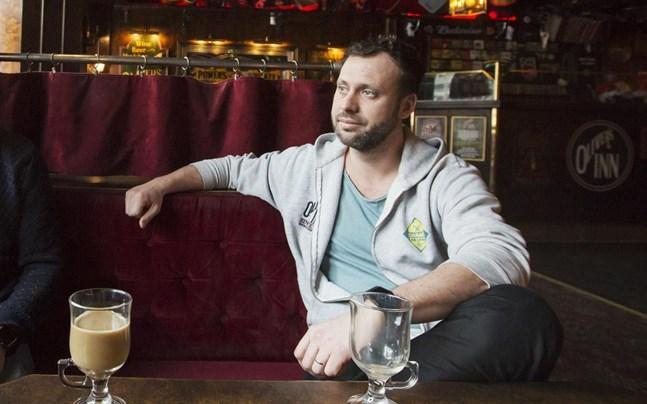 Krögaren Daniel Lytz är van vid att saker försvinner från Oliver's Inn.