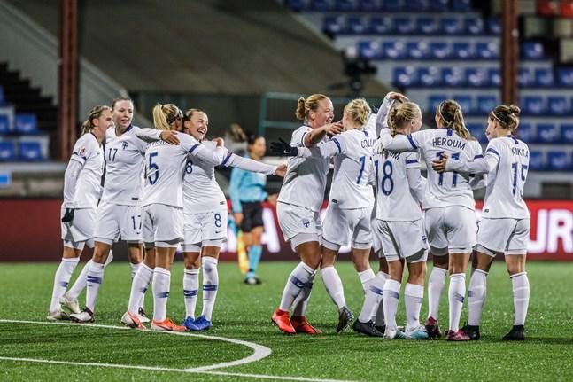 Finland vände ett tvåmålsunderläge till kryss på bortaplan i landskampen mot Österrike på söndagskvällen. Bilden är från EM-kvalmatchen mot Albanien på Elisastadion i oktober 2019.