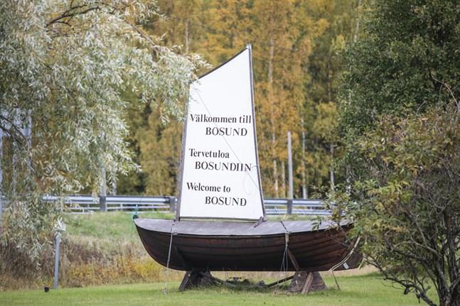 Kommunen nyttjar sin förköpsrätt och köper ett markområde nära Bosund centrum.