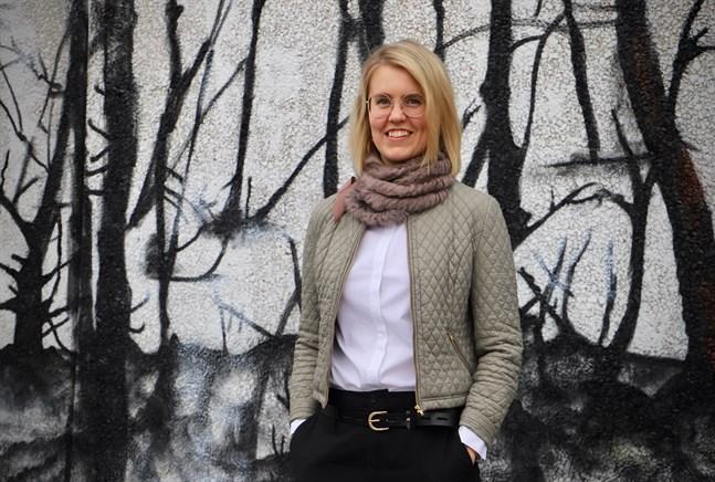 Cecilia Raunio jobbar sedan augusti som ekonomichef i Malax. Kommunen är inte ny för henne, hon har tidigare vikarierat på ekonomiavdelningen och jobbat som förvaltningschef på Malax-Korsnäs hälsovårdscentral.