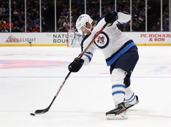 Patrik Laine har gjort sex poäng på fyra matcher och är poängbäst av alla finländare i NHL.