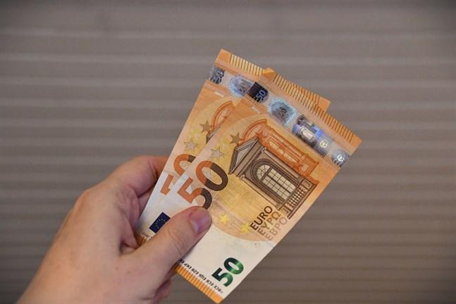 Falska räkningar på några hundra euro är ett vanligt bedrägeri.