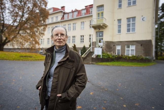 Efter ett halvt år på posten säger Mirja Remes att det fortsättningsvis är svårt att rekrytera psykiatriker till Vasa.