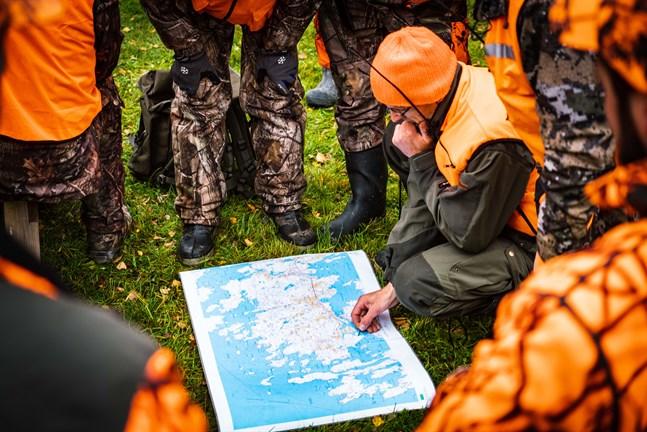 Älgjakten var lyckad. Snart sätts mål för årets jakt, och markägarnas åsikter pejlas.