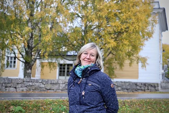 """Malax församlings kantor Katri Lax besökte en välgörenheterskonsert i USA och greps av den avslappnade stämningen. """"Jag tänkte att vi kan jamma också i vår kyrka, och varför inte sjunga med"""", säger hon."""