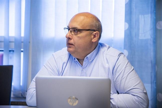 Tom Holtti, vikarierande kommundirektör i Vörå, säger att Vörå har en sund ekonomi i grunden.