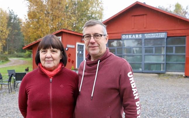 Ann-Christine och Anders Lindman startade ett klockgjuteri i Sundom för tjugo år sedan. I dag består sortimentet av många olika – också egendesignade – produkter.