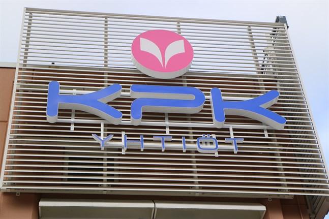 KPK-bolagen vill ännu utreda om det går att undvika att göra flaggskeppet Keskipohjanmaa till en sexdagarstidning.