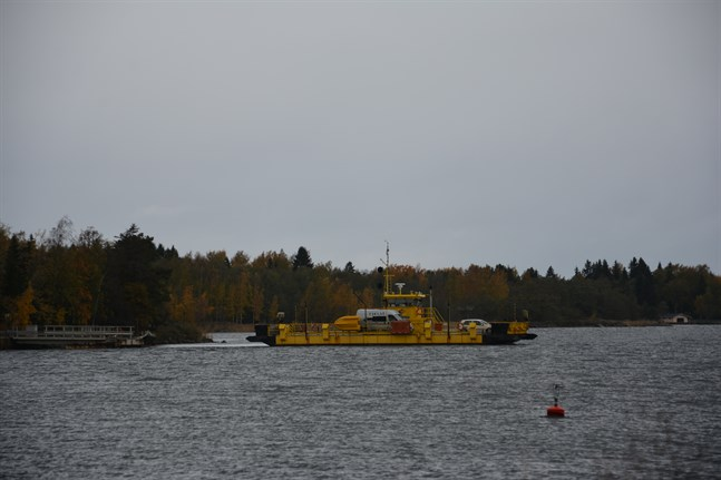 Färjan mellan Kaskö och Eskilsö står för tillfället stilla.