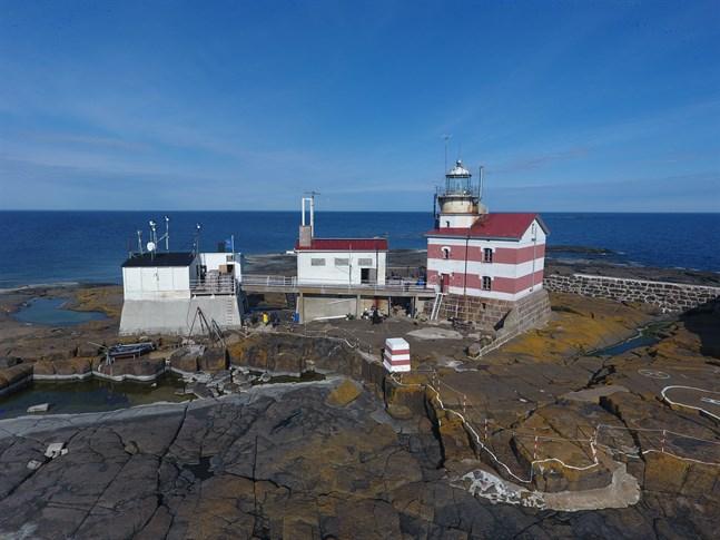 Märkets fyr har varit vittne till tiotals haverier under de 134 år den har stått på den låga klippan i Åland hav.