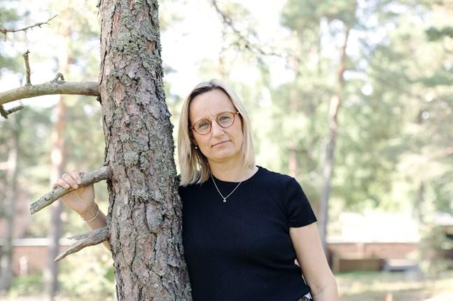 Micaela Romantschuk är verksamhetsledare på Hem och skola i Finland. Hon uppmanar föräldrar att lära känna varandra. Det kan hindra mobbning.