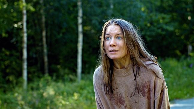 """Julia Johansson som Annika i filmen """"Blinkers""""."""