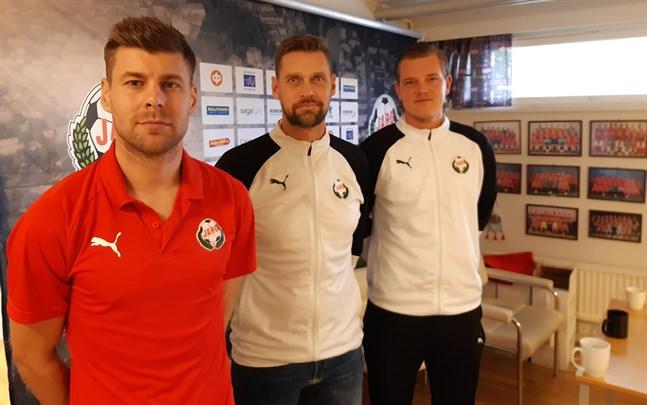 Niklas Käcko (i mitten) tränade Jonas Emet (till vänster) redan som 10-åring, medan Jonas Portin (till höger) var Emets lagkamrat. Efter söndag är det tack och farväl.
