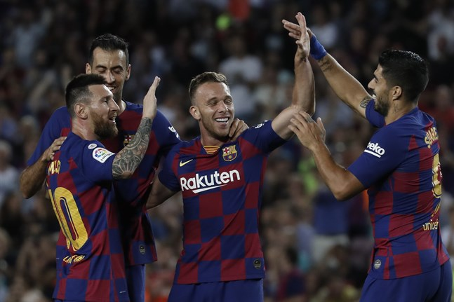 Barcelonas fotbollsstjärnor åker buss till matchen mot Eibar. Arkivbild.