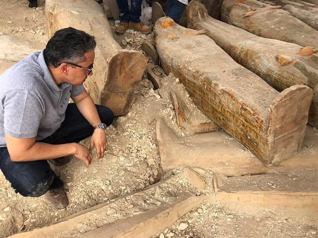 30 välbevarade kistor, omkring 3000 år gamla, har hittats i dödens dal i Luxor i Egypten.