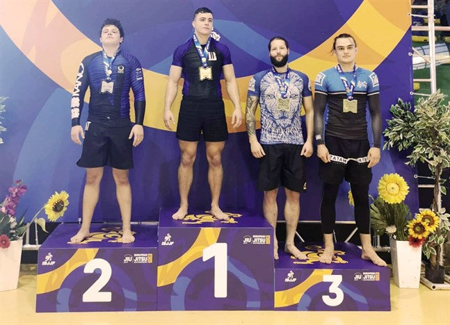 Schweizaren Philippe Geyer blev mästare i tungviktsklassen och jordaniern Hazem Mohammad Kayyali knep silvret. Oskar Svels (andra från höger) och österrikaren Moritz Koellensperger tog plats på bronspallen.