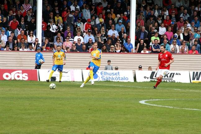1126 personer såg matchen mellan Kraft och Sporting i somras. Det blev publikrekord i distriktsserierna, hela landet inräknat.