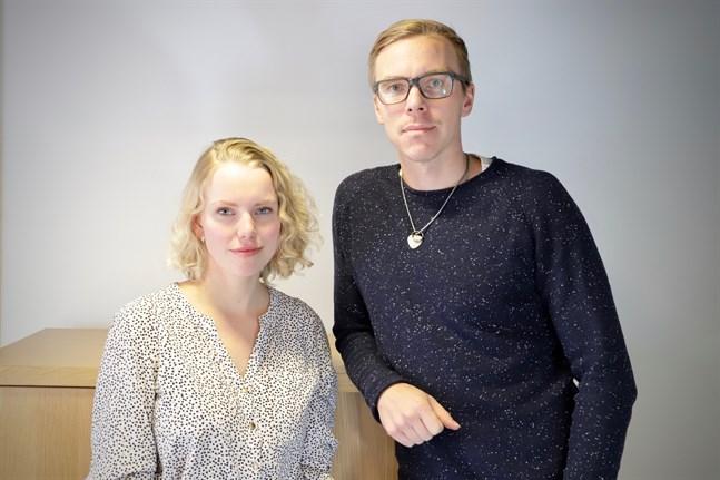 Universitetslärarna Jenny Lindholm och Janne Berg släppte en första version av appen Pocket Democracy hösten 2019. Nu släpper de en ny version till nästan hela Österbotten i inför kommunalvalet.