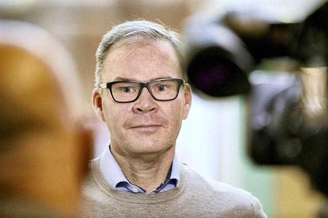 Mika Aarnikka, Finlandschef vid Huawei Enterprise Business Group, säger att all uppståndelse tvingar bolaget att satsa mer på datasäkerhet.