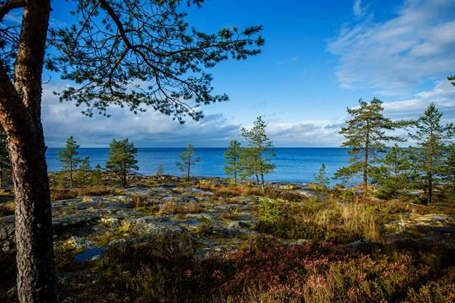 Bevara de mäktiga urtidsklipporna som vinter och sommar ligger där att njutas av oss med respekt, skriver Wava Stürmer.
