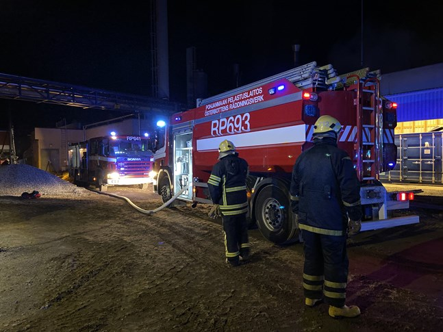 Räddningsverkets enheter på plats vid Mirka.