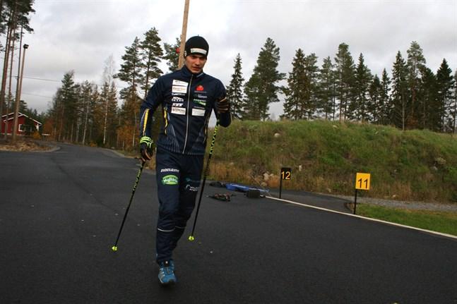 Patrik Kuuttinen tränar i medeltal tre timmar per dag, året om. I vinter är målet att tävla i junior-VM i Schweiz.