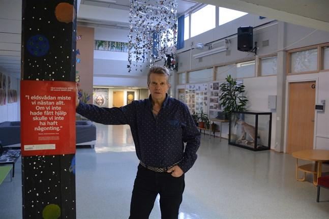 Ventilationen är det största problemet i dagens skolhus, påpekar Göran Småros.