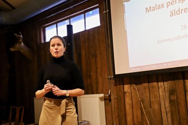 På måndag diskuterar kommunstyrelsen i Malax samarbetsförhandlingar gällande eventuella permitteringar, säger kommundirektör Jenny Malmsten.