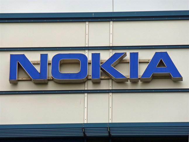 Moody's sänker Nokias kreditbetyg.