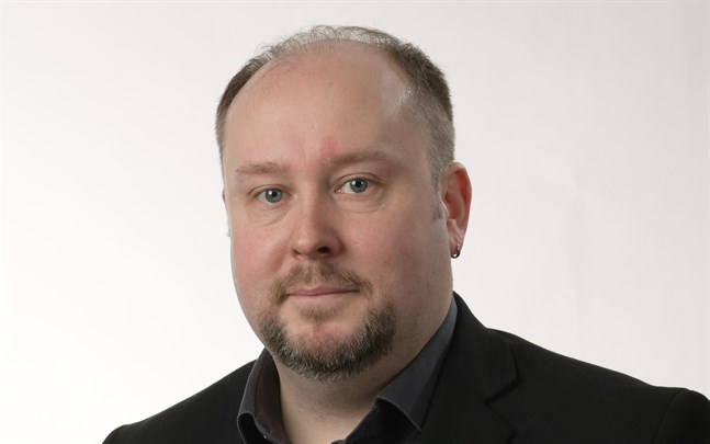 Micael Westerholm.