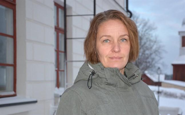 Kristinestads stadsdirektör Mila Segervall är i karantän och distansjobbar.