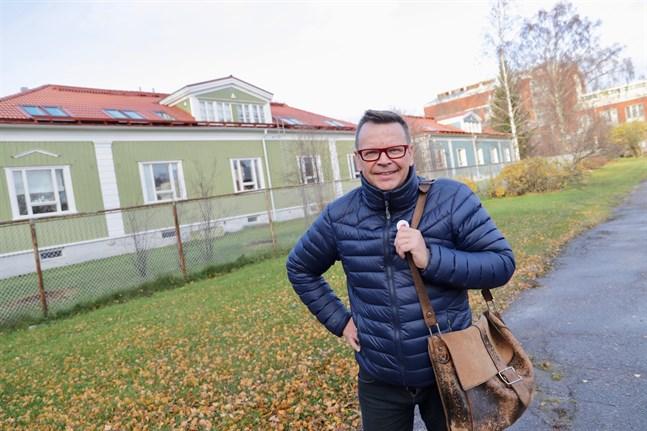 Johan Ångerman hoppas att husköpare som tvekar på grund av prishöjningen söker alternativa lösningar, till exempel renovering eller köp av ett mindre huspaket.