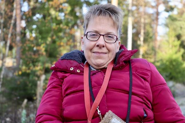 Stina Österbro har erfarenheter som påverkat henne i livet. Med hjälp av dem vill hon gärna få andra att må bättre.