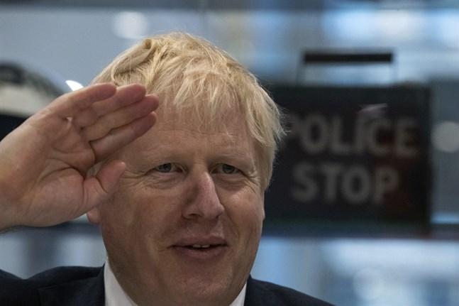 Premiärminister Boris Johnson och Tories ligger enligt en opinionsundersökning än så länge bäst till inför det brittiska nyvalet den 12 december. Arkivbild.