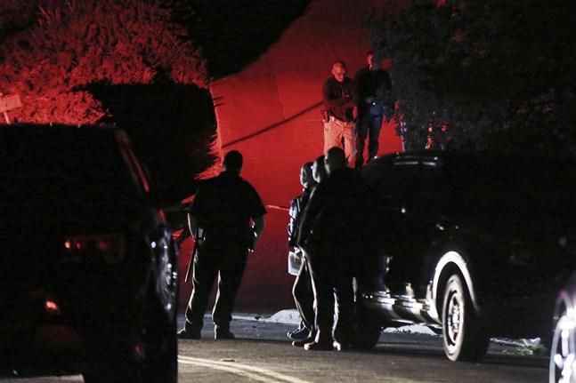 Polispådrag vid det drabbade huset i Orinda.