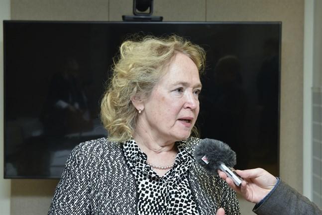 Jaana Husu-Kallio, kanslichef vid Jord- och skogsbruksministeriet, säger att osakliga påhopp i vargdiskussionen inte har en plats i det finländska samhället.